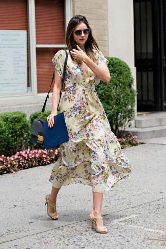 fashion-2013-01-19-miranda-kerr-street-style-personal-style-dress-main