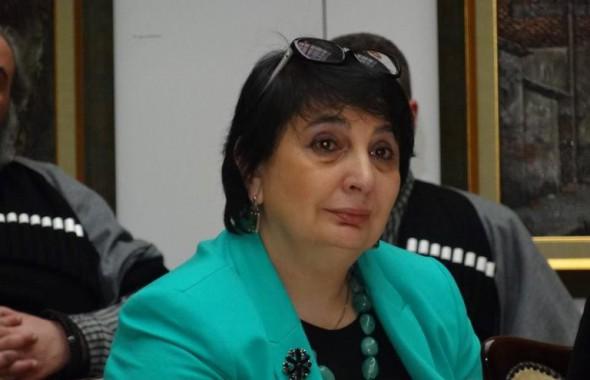 В Тбилиси прощаются с правозащитницeй Мананой Мебуке