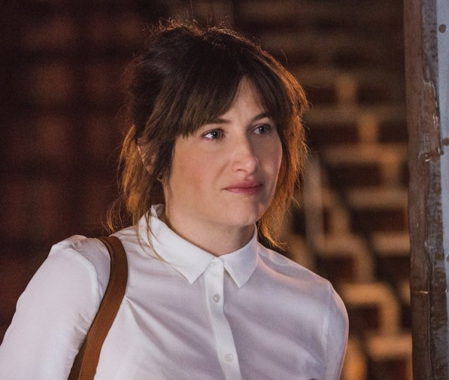 Kathryn Hahn And Nicole Holofcener Team Up For Hbo Pilot Mrs