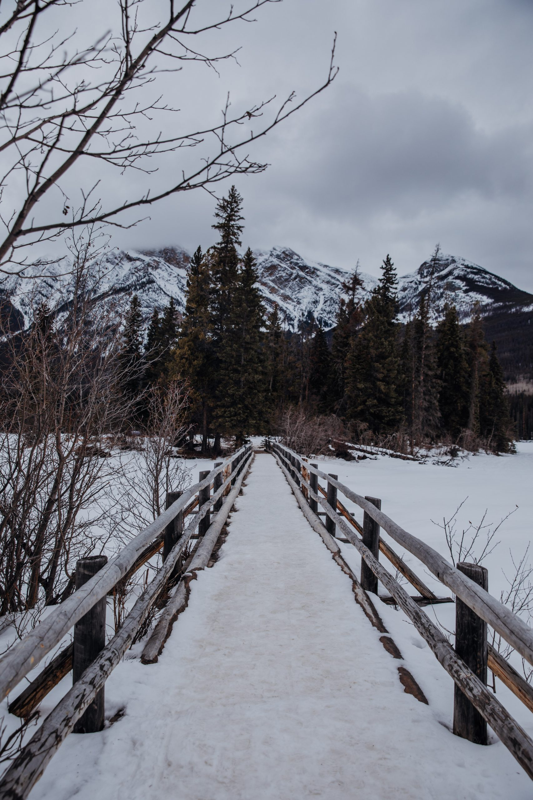The Ultimate Banff Winter Guide - Pyramid Lake
