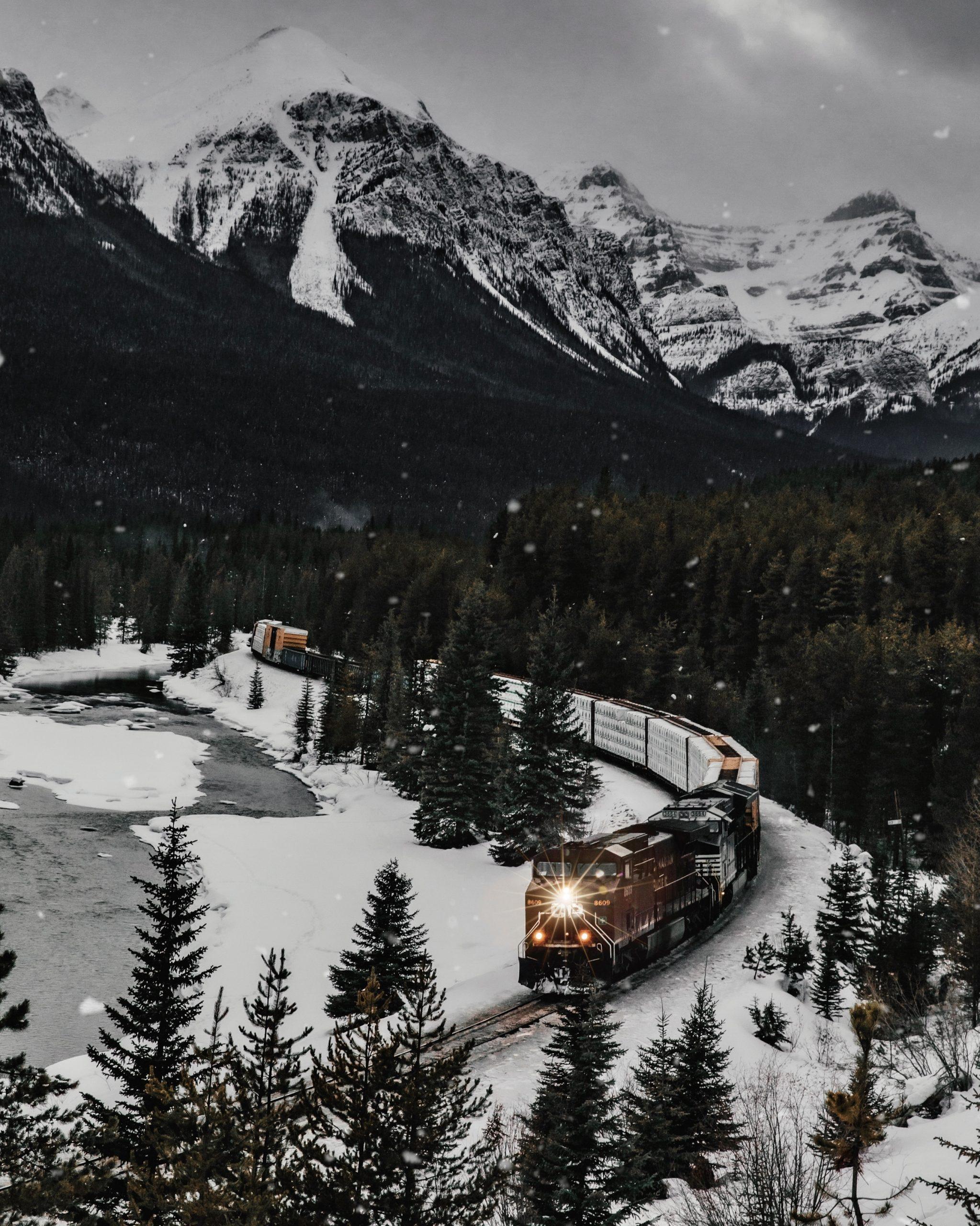 The Ultimate Banff Winter Guide - Morants Curve