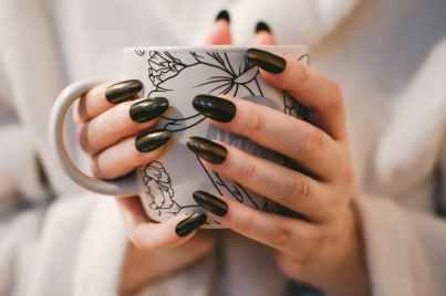 nails reveal details