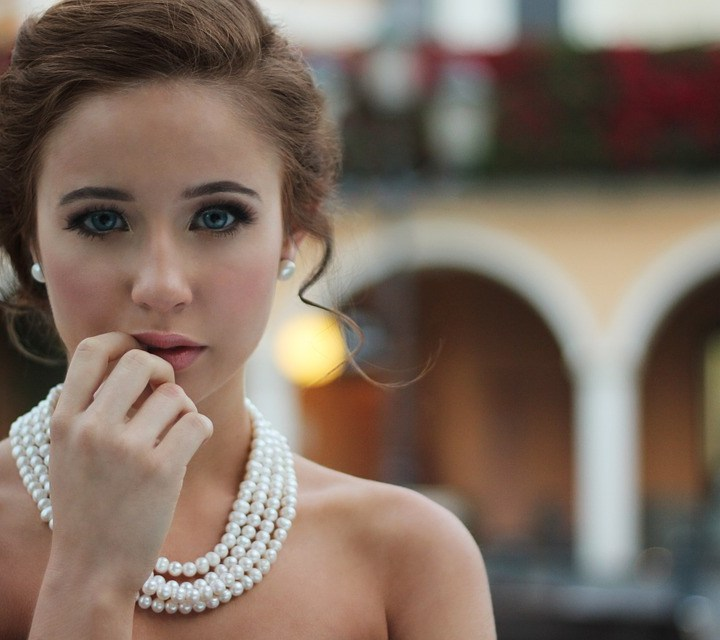 Top 10 Latest Jewellery Trends to Follow in 2018