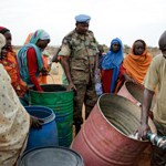 Women Darfur gather water