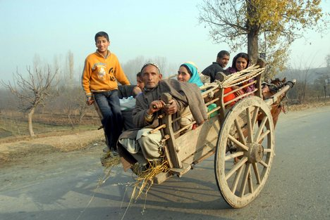 Century old forms of transport restrict women & families in Northern Kashmir
