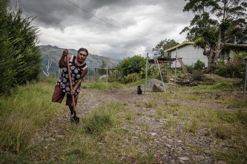 Letting photographs document women atrocity in Papua New Guinea