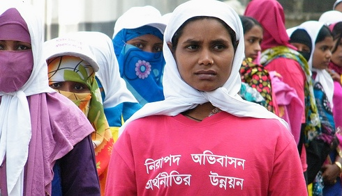 BANGLADESH: Corruption harms women garment workers in building collapse