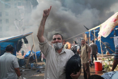 Violence in divided Egypt places Egyptian & foreign journalists in danger