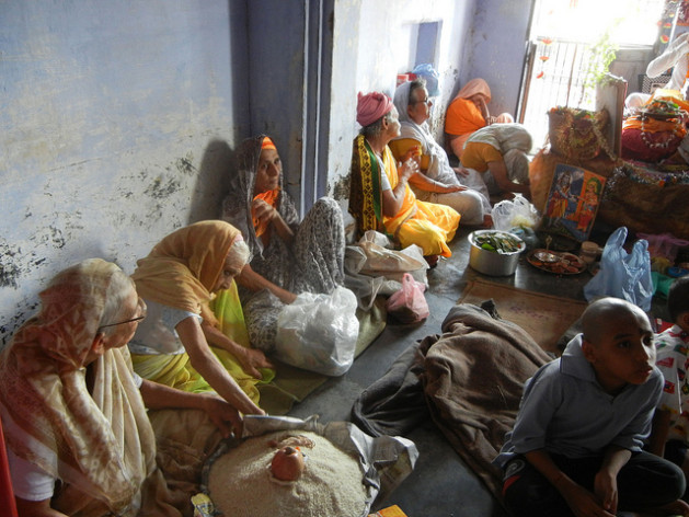 [India] Widows Celebrate a Little At Last