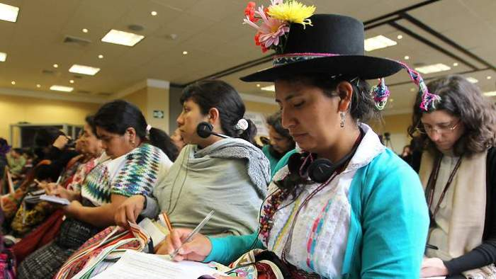 Indigenous women gather in Peru