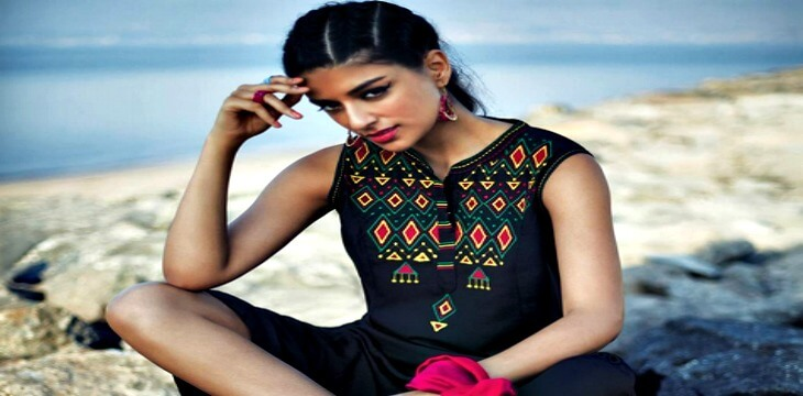 Fashion trends over history - Top 5 Bollywood