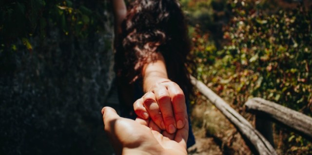 7 Places where he touches you and what that means !