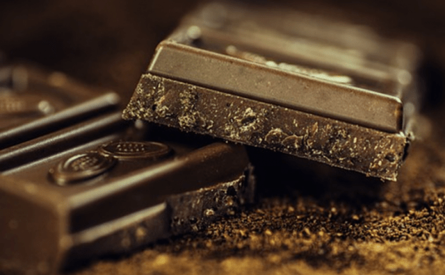 Top 5 Reasons Why Every Woman Must Consume Chocolates!