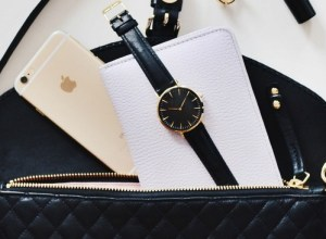 15 Things every woman must have in her handbag!