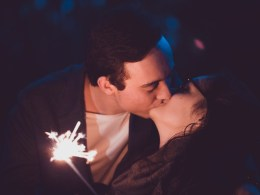 5 Undeniable signs that he is into you