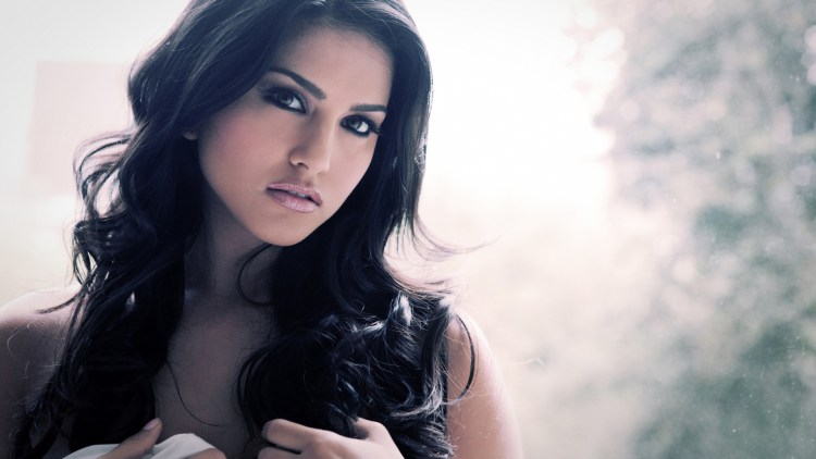 Sunny Leone Wallpapers  2