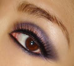 Steps to Create a Purple Smokey Eye Makeup Look 01