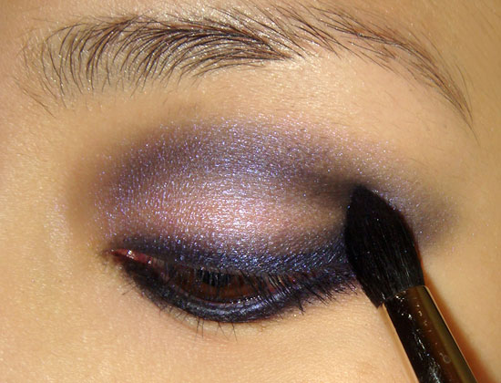 Steps to Create a Purple Smokey Eye Makeup Look 02