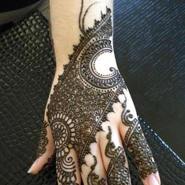 Trend of Mehndi Designs with Outline 12