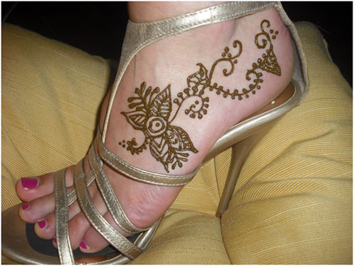 Mehndi Leg Easy Designs : Attractive and easy mehndi designs for legs 15