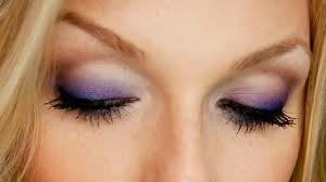 Glamorous Smokey Look for Blue Eyes 001