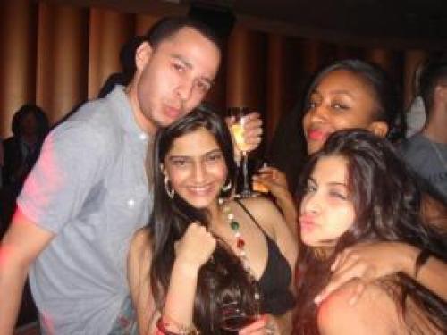 SONAM Kapoor drunk, drunk driving celebrities