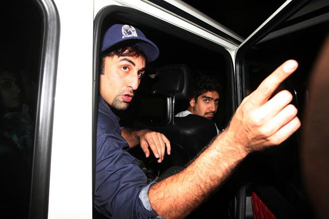 ranbir kapoor drunk, celebrities drunk in public