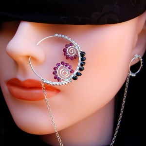 Stylish nose pins