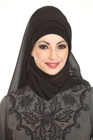 Elegant Head Scarves For Beautiful Ladies