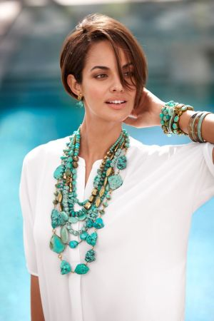 Pretty ideas for wearing jewelry and carrying it