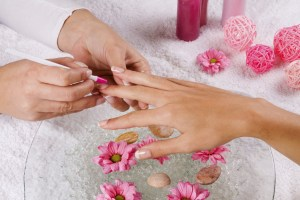 Make Your Hands Look Beautiful Through Nail Tips