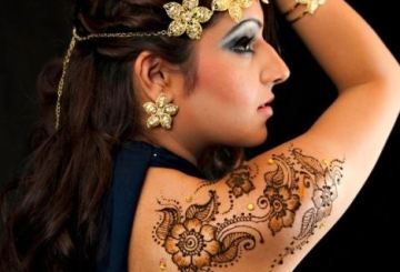 Get Latest tattooed – with Mehndi!