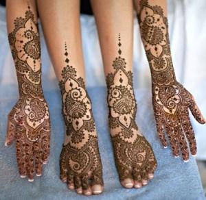 Mehndi Design for Legs | Our 15 Top Pics