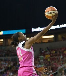Jewell Loyd goes in for an easy layup. Photo by Neil Enns/Storm Photos.