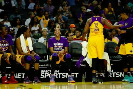 Candace Parker cheers. Photo by Maria Noble/WomensHoopsWorld.