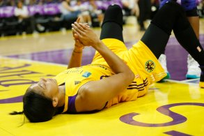 Candace Parker is fouled. Photo by Maria Noble/WomensHoopsWorld.
