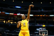 Nneka Ogwumike has fun during shootaround. Photo by Maria Noble/WomensHoopsWorld.