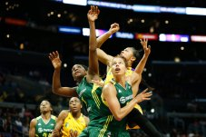 Storm players look to see if Candace Parker's shot falls. Photo by Maria Noble/WomensHoopsWorld.
