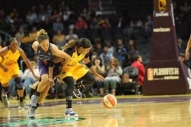 Leilani Mitchell and Odyssey Sims fight for ball control. Photo by Benita West/TGSportsTV1.