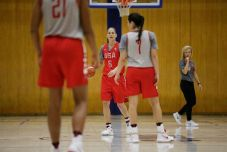 Scrimmaging. Photo by Maria Noble/WomensHoopsWorld.