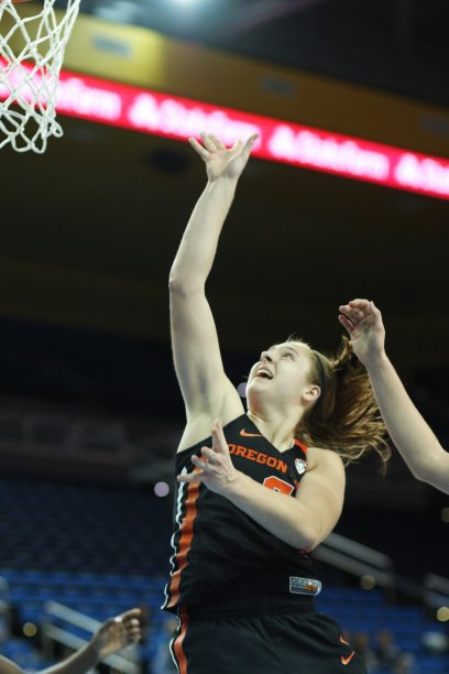 Mikayla Pivec scores. Photo by Maria Noble/WomensHoopsWorld.