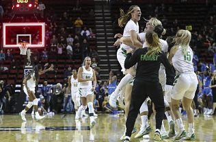 Oregon battles, Stanford breezes to set up top-seeded Pac ...