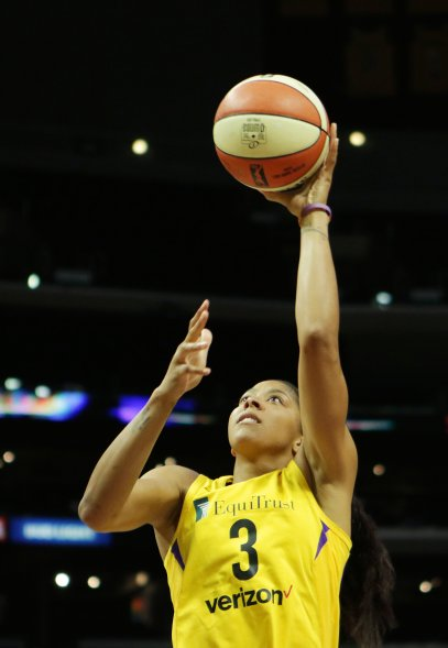 Candace Parker goes up for two points. Maria Noble/WomensHoopsWorld.