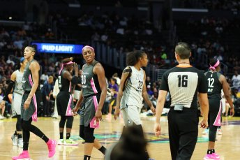 Nneka Ogwumike expresses her displeasure to official Isaac Barnett about a call on her. Maria Noble/WomensHoopsWorld.