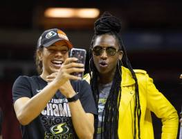 Alysha Clark and Crystal Langhorne pause for a photo. Neil Enns/Storm Photos.