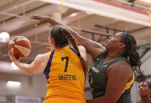 Friday, May 17, 2019 - Courtney Paris guards Maria Vadeeva. Maria Noble/WomensHoopsWorld.