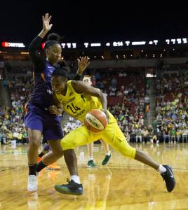 Jewell Loyd drives around the defense during last year's WNBA semifinals. Neil Enns/Storm Photos.
