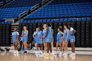 October 29, 2019 - The UCLA Bruins women's basketball team during preseason practice at Pauley Pavilion in Los Angeles, California. Maria Noble/WomensHoopsWorld