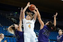 Lindsey Corsaro powers up a shot. Maria Noble/WomensHoopsWorld