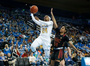 Japreece Dean goes up for two of her 21 points on the day. Maria Noble/WomensHoopsWorld